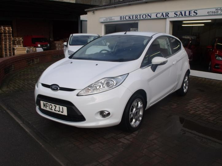 MF12 ZJJ  - Ford Fiesta 1.25 Zetec 3 door hatchback 1242cc