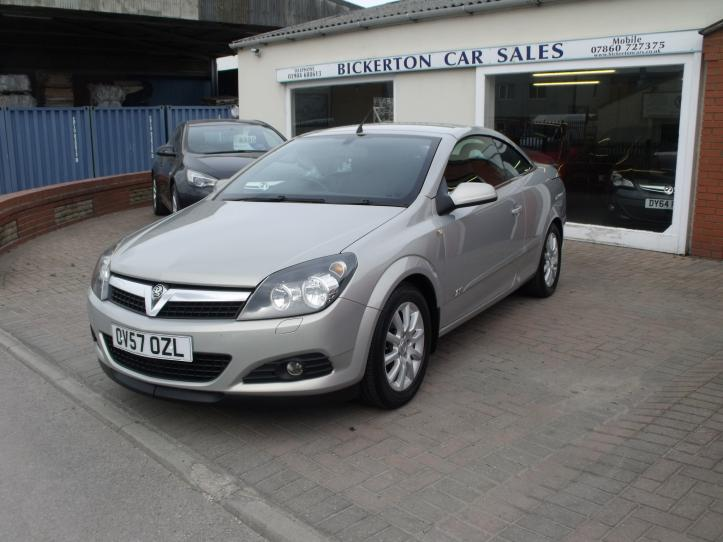 OV57 OZL - Vauxhall Astra 1.8 sport twintop convertable 1796cc