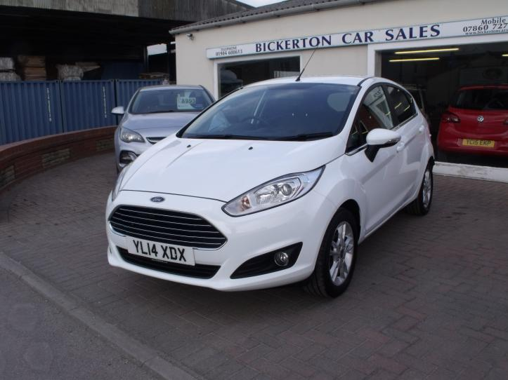 YL14XDX - Ford Fiesta 1.0 Turbo EcoBoost Zetec 5 door hatch  998cc