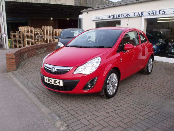 MV12UDH - Vauxhall Corsa 1.2 Excite 3 door hatchback 1229cc
