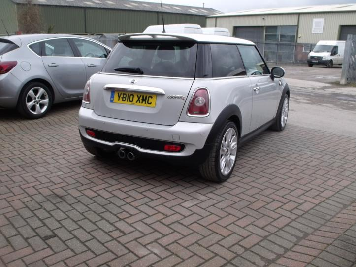 YB10XMC - MINI Cooper S camden limited edition 3 door hatchback 1600cc