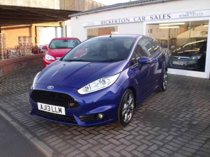 AJ13LLM - Ford Fiesta 1.6 ST2 Turbo 3 door hatchback 1575cc