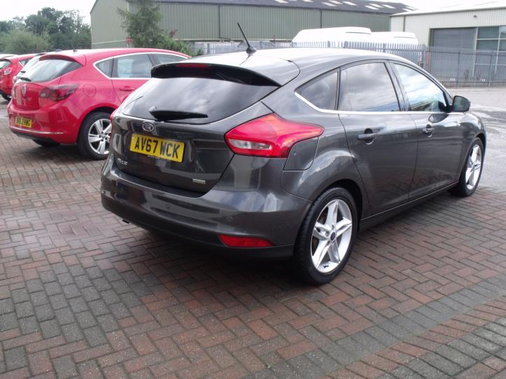 AV67 WCK - Ford Focus 1.0 Titanium 5 door hatchback Satnav 999cc
