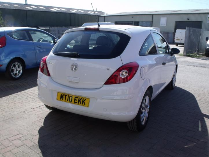 MT10 EKK - Vauxhall Corsa 1.2 energy 3 door hatchback 1229cc
