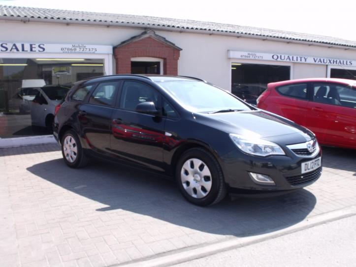 DL12FTZ - Vauxhall Astra 1.7 CDTI diesel exclusive Estatecar 1686cc