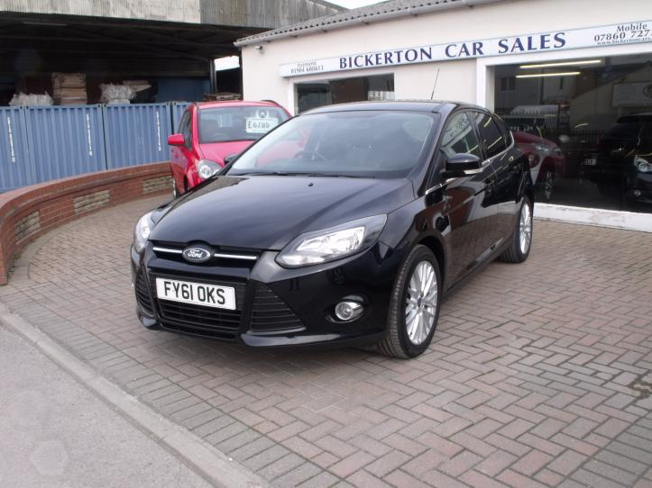 FY61 OKS - Ford Focus 1.6 Zetec 5 door hatchback 1600cc