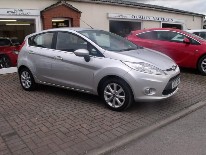BT11GKF - Ford Fiesta 1.25 Zetec 5 door hatchback 1242cc