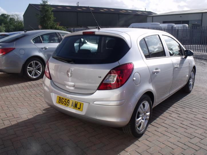 BG59AWJ - Vauxhall Corsa 1.4 Club 5 door hatchback 1364cc